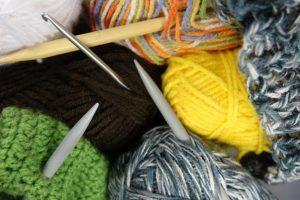 neulelankakeriä ja puikot